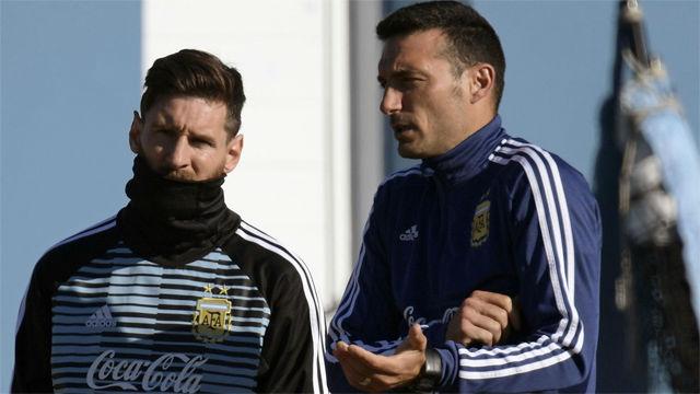 Scaloni: Creo que Messi va a volver con Argentina