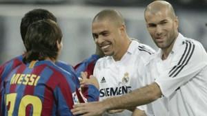 Zidane Saluda A Messi En El Bernabeu En
