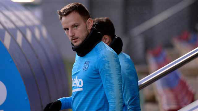 Chelsea and United enquire about Barcelona's Ivan Rakitic