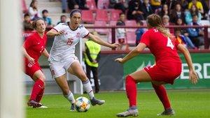 La colchonera Silvia Meseguer, en una acción del amistoso contra Canadá