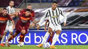 Cristiano Ronaldo marcó dos goles frente a la Roma
