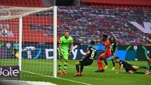 El croata Pongracic remachó a las mallas el 0-1