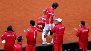Feliciano abandona la pista tras la derrota en el dobles