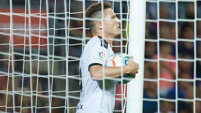 Gameiro metió al Valencia en el partido... con un gol de VAR