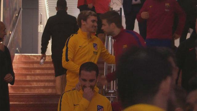 LALIGA | FC Barcelona - Atlético (1-0): El abrazo entre Piqué y Griezmann