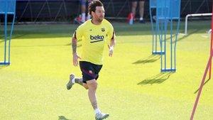 Leo Messi se ejercita con el regreso de la Liga a menos de dos semanas