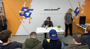 Primer rueda de prensa de Carlos como piloto de McLaren