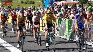 Roglic mantiene el jersey amarillo en la Dauphiné