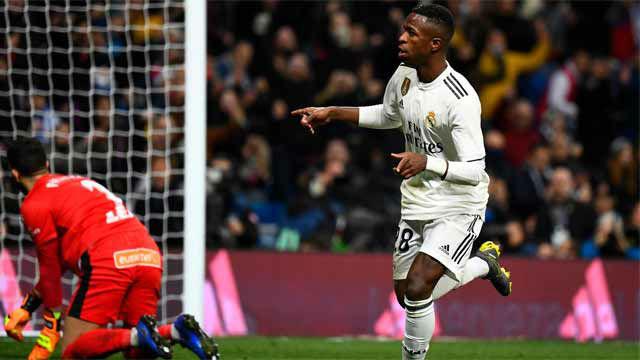 Vinicius marcó y transmitió su alegría a la grada del Bernabéu