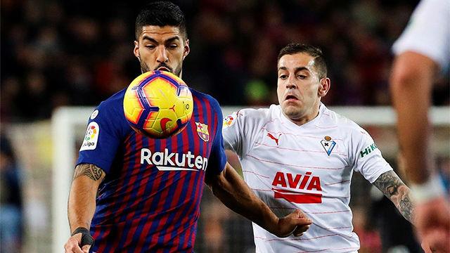 Luis Suárez completa su 'doblete' y ya lleva 14 goles en la Liga