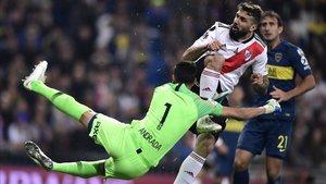 La acción de la polémica en el Superclásico de la Libertadores