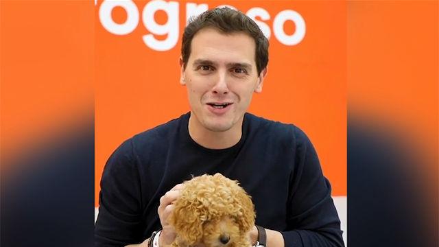 Albert Rivera presenta su arma secreta para el debate: el perro Lucas