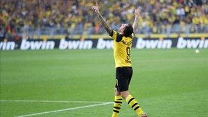 Alcácer sigue celebrando goles en Alemania