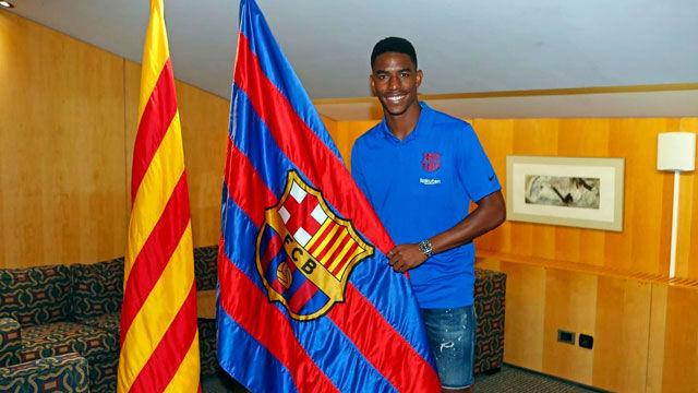 El Barcelona hace oficial el fichaje de Junior Firpo