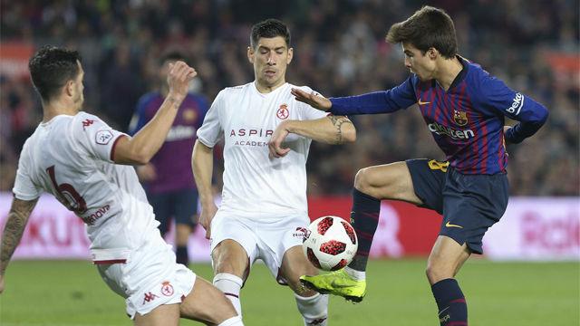 El Camp Nou esperaba su debut y Riqui Puig no defraudó. Así fue el estreno de la perla de la cantera, con asistencia de gol incluida