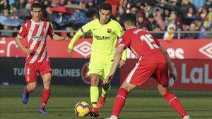 Coutinho volvió a mostrar síntomas alarmantes ante el Girona