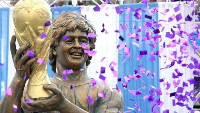 La curiosa estatua de Maradona en la India