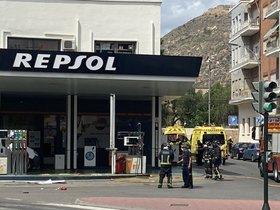 Explota una gasolinera en el centro de Cartagena, con varios heridos de gravedad