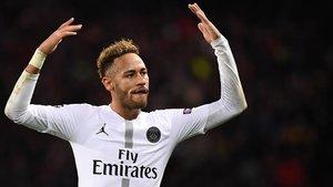 Florentino Pérez quiere ver a Neymar vestido de blanco, pero con la camiseta del Real Madrid