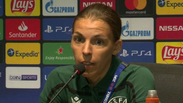 Frappart: El fútbol es igual para hombres y mujeres