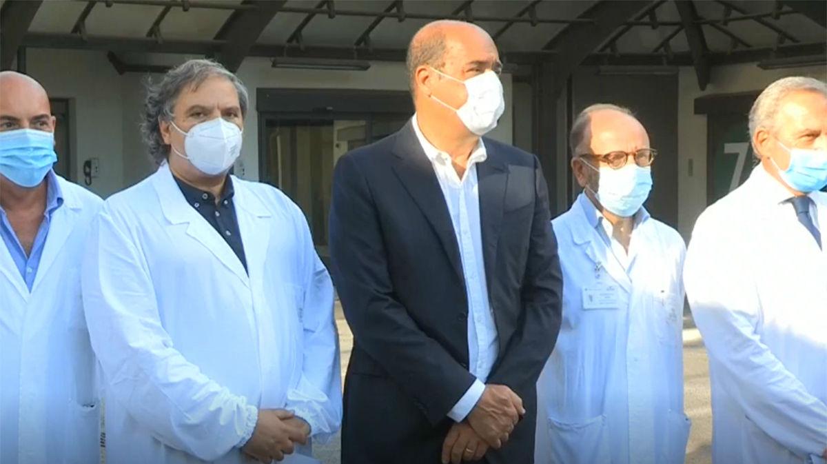 Italia comenzó ensayos de su vacuna en humanos