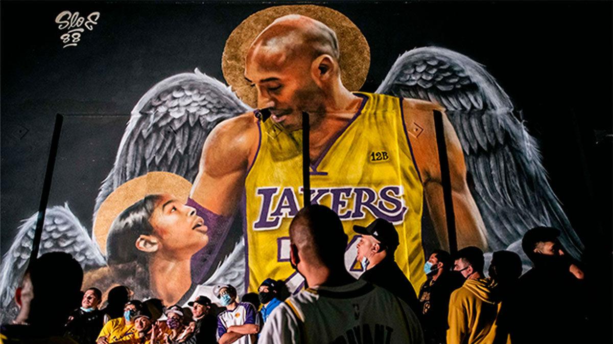 Las estrellas de los Lakers dedican la victoria a Kobe Bryant