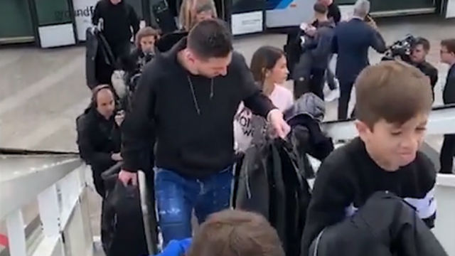 Los Messi ya están camino de París