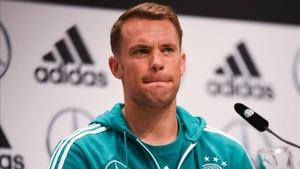Manuel Neuer en conferencia de prensa de la selección alemana