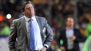 Miguel Herrera, entrenador del América, hace campaña para que Hugo Sánchez acabe en el banquillo del Real Madrid