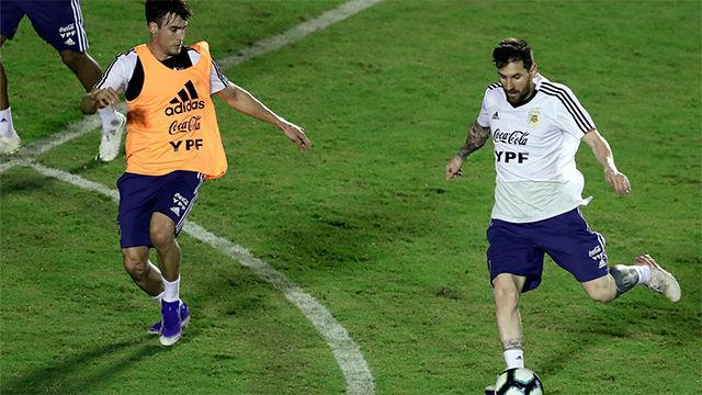 Otra jugada maestra de Messi: también deja a sus compañeros de Argentina en el suelo