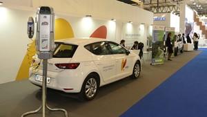 Cargador domestico para coches alimentados con gas comprimido GNC, mostrado estos días en la feria Gastech.