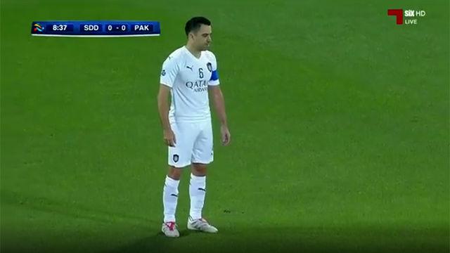 online store 9beba 49e3a Xavi maravilla en la Champions asiática con un soberbio gol de falta