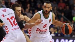 Adam Hanga, contra el Barça Lassa en la pasada Euroliga