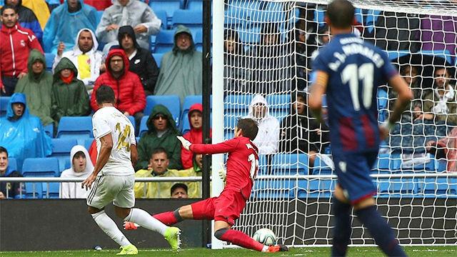 Casemiro marcó el 3-0 tras una gran jugada colectiva del Madrid