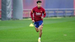 Coutinho, durante el entrenamiento de este lunes en la Ciutat Esportiva