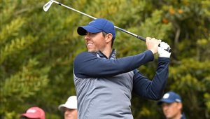 Rory Mcllroy lidera la primera ronda del torneo de Golf que se juega en México