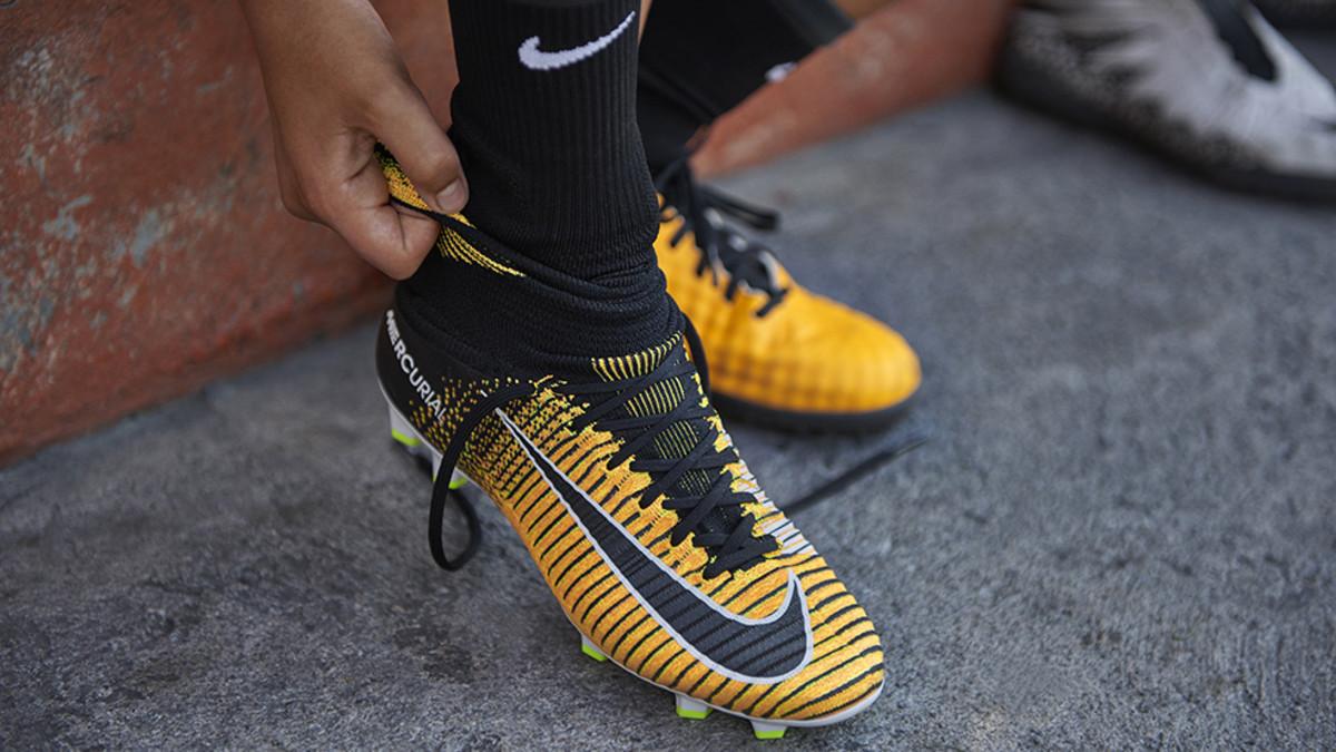 ¿Cómo elegir las botas de fútbol perfectas para ti  - SPORT 76deeb80bb847
