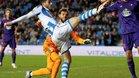 El centrocampista de la Real Sociedad, Mikel Oyarzabal, celebra su gol ante el Celta durante el partido de la jornada 13 de la Liga de Primera División que han disputado hoy en el estadio de Anoeta de San Sebastián.
