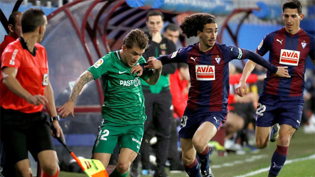 Cucurella se estrenó como goleador con la camiseta del Eibar