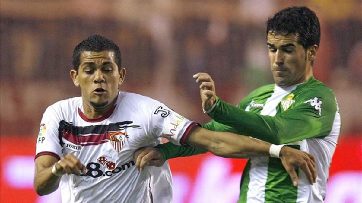 El gol que Alves marcó en el gran derbi en la 2004/05