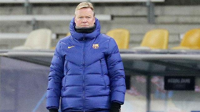 Koeman aborda el problema de los centrales en el Barça