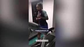 Malcom se ha mostrado entrenando duramente durante sus vacaciones