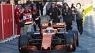 El McLaren de Alonso ha sido un visto y no visto en el Circuit este lunes