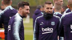 Messi, muy sonriente durante el entrenamiento de este jueves