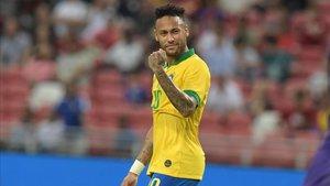 Neymar, gran esperanza de la Canarinha para recuperar la sonrisa