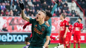 Noa Lang hizo historia ante el Twente