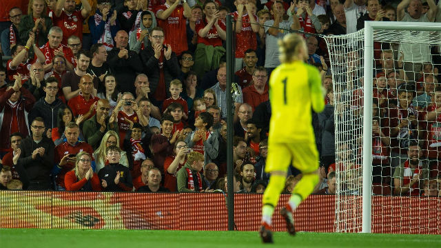 La tremenda ovación de la afición del Liverpool a Karius en su retorno a Anfield