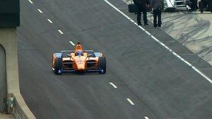 Alonso, durante su primer test con el McLaren #66