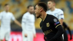 Dest acabó el partido ante el Dinamo de Kiev con molestias