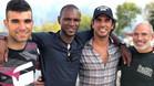 Eric Abidal en Camprodón junto a Jorge Casales y Cristian Tenadas